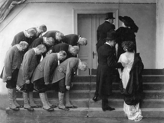 servants-bowing-getty.jpg